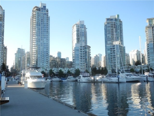 Aquarius I   --   1199 MARINASIDE CR - Vancouver West/Yaletown #2