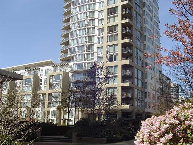 Columbus   --   1383 MARINASIDE CR - Vancouver West/Yaletown #3