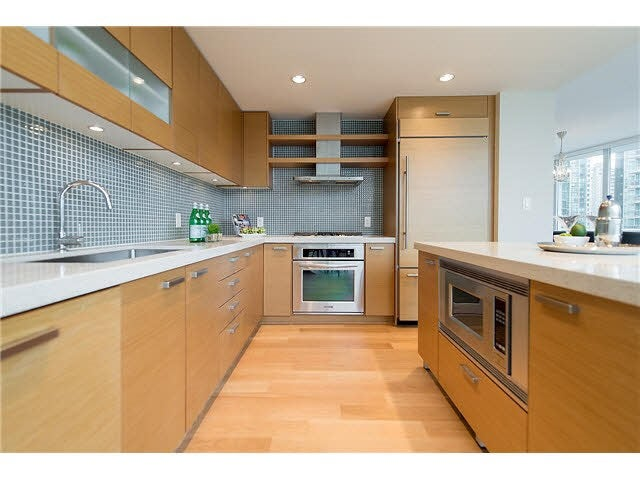 701 1277 MELVILLE STREET - Coal Harbour Apartment/Condo for sale, 2 Bedrooms (R2015542) #11